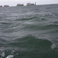 Wind tegen tij bij de Needles